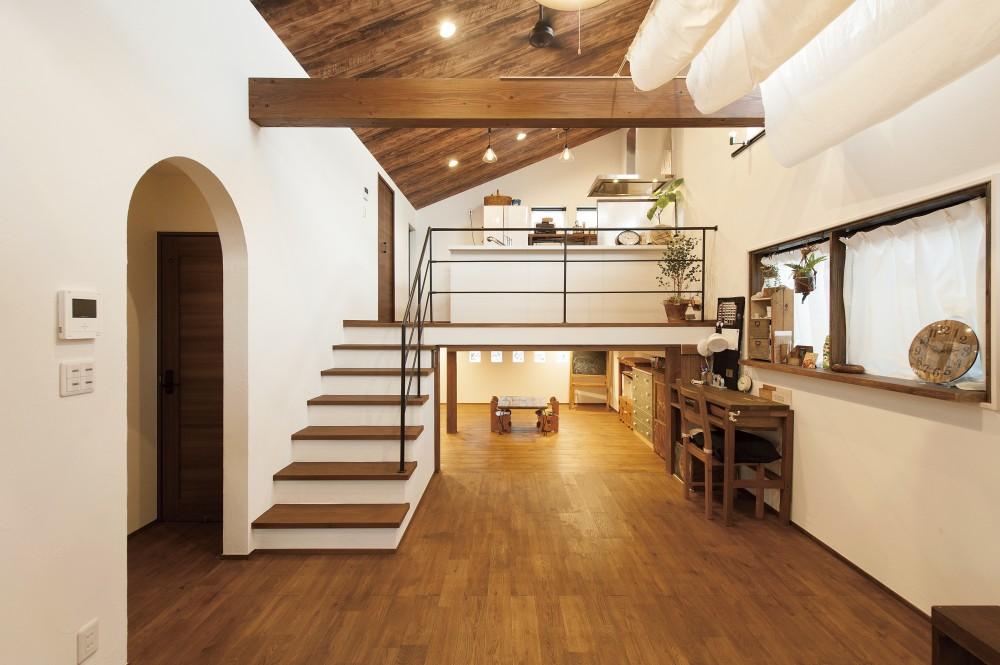 さりげないデザインでかなえるDIY家具が映える住まい